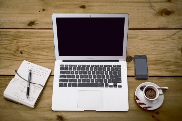 公立小中高 休校 影響 入試 卒業式 入学式 オンライン(WEB) 開催
